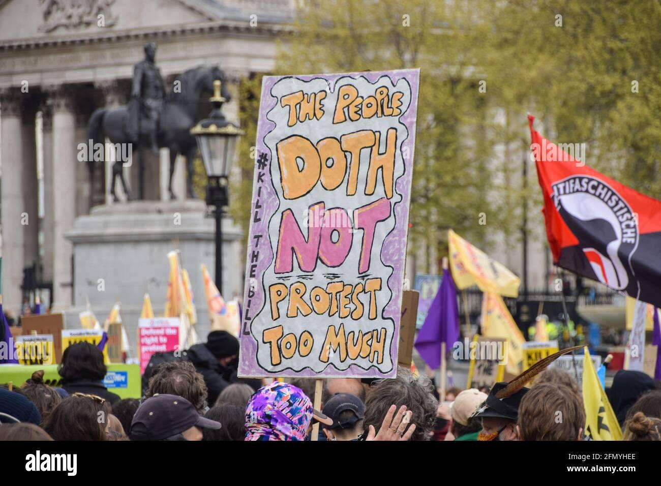 Londres, Royaume-Uni. 1er mai 2021. Tuez la manifestation Bill à Trafalgar Square. Des milliers de personnes ont défilé dans le centre de Londres pour protester contre le projet de loi sur la police, la criminalité, la peine et les tribunaux. Banque D'Images