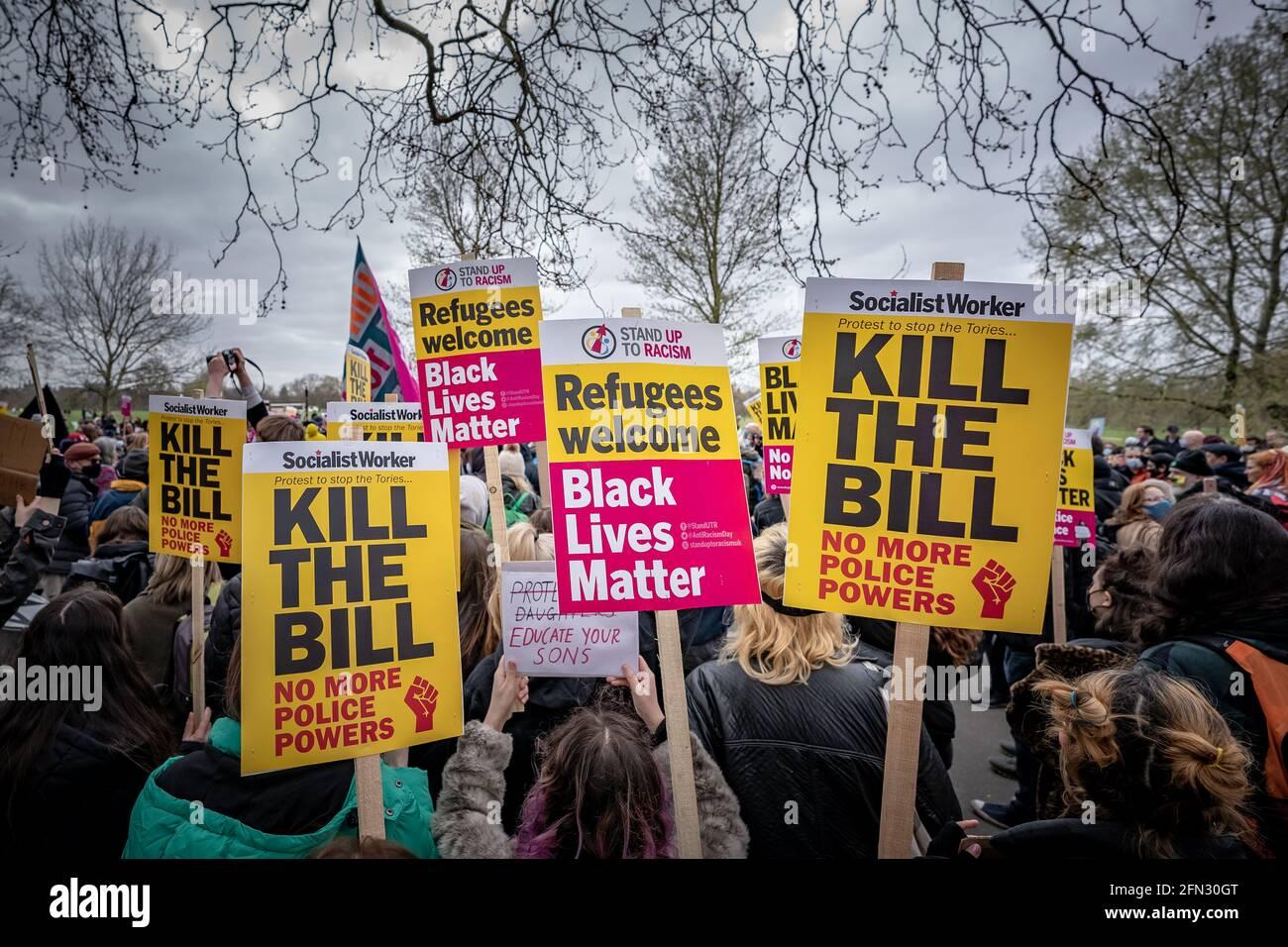 Tuez la protestation de Bill. Des milliers de manifestants se réunissent à Hyde Park pour manifester contre un projet de loi contre les crimes de police « anti-protestation ». Londres, Royaume-Uni Banque D'Images