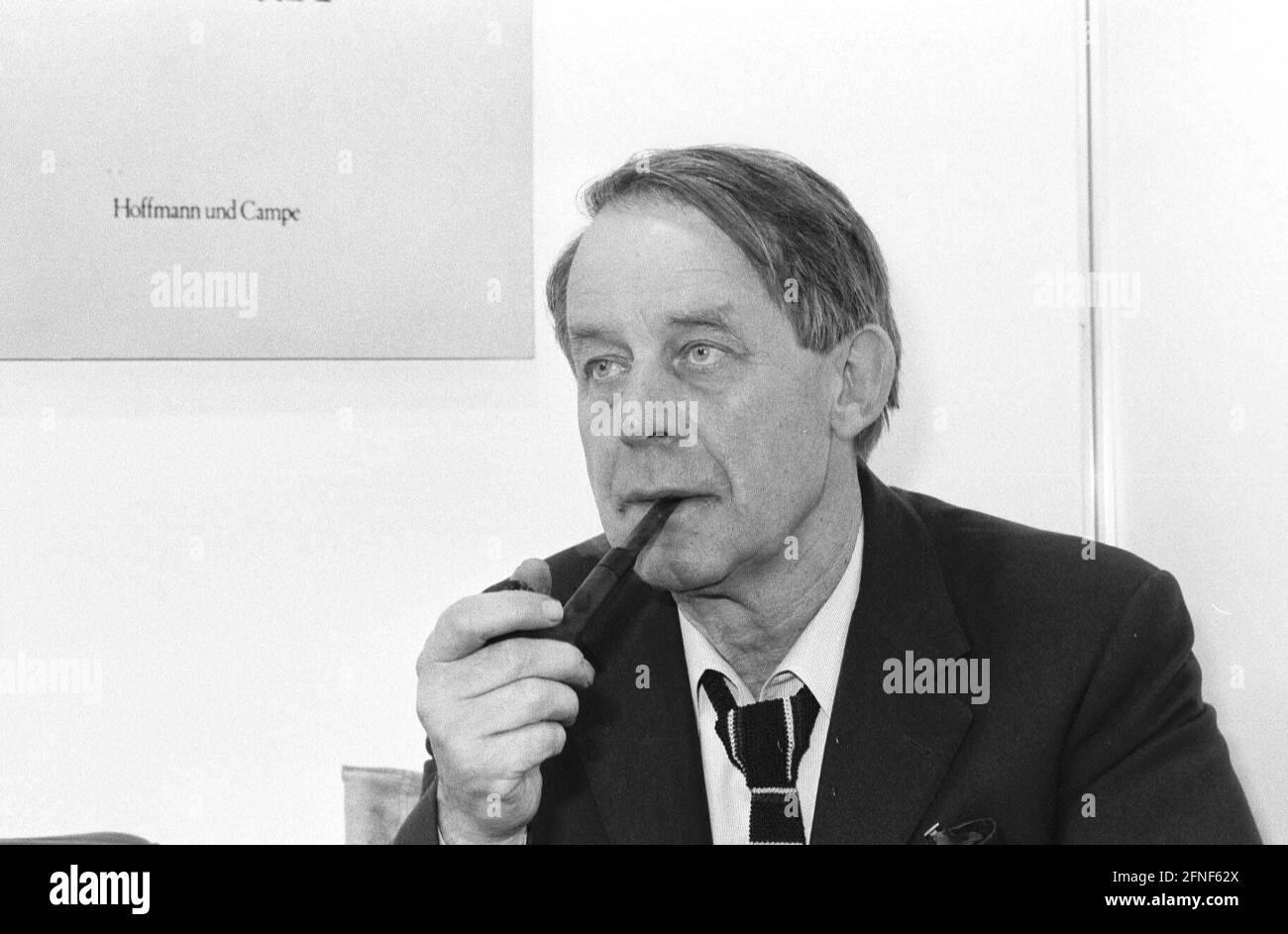 'L'écrivain allemand SIEGFRIED LENZ ('Dütschstunde', ''Heimatmuseum'', ''über den Schmerz'') célèbre son 75e anniversaire le 17 mars 2001. Lenz vit à Hambourg et est citoyen honoraire de la ville hanséatique. [traduction automatique]' Banque D'Images