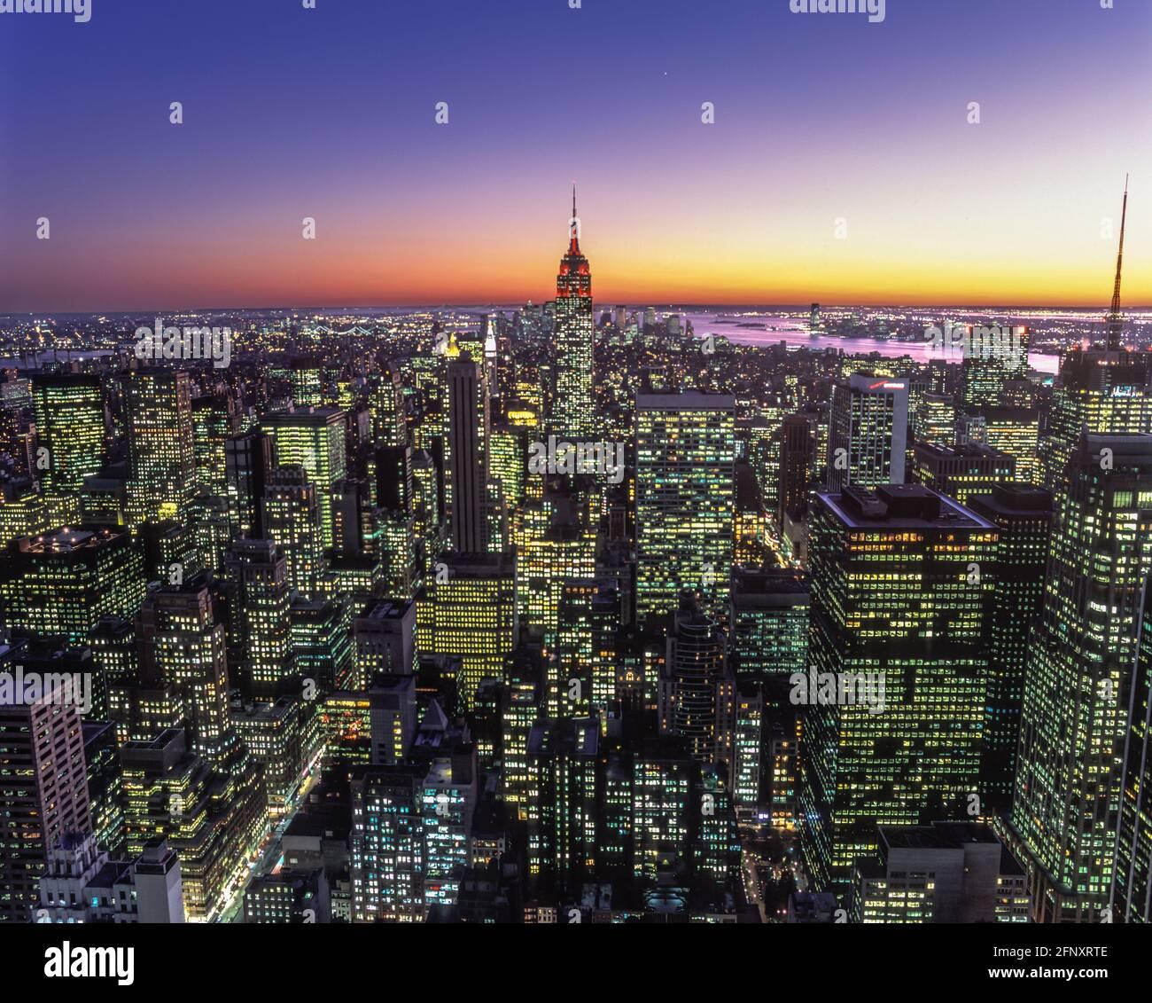 2005 BÂTIMENT HISTORIQUE DE L'EMPIRE STATE (©SHREVE LAMB & HARMON 1931) MIDTOWN MANHATTAN NEW YORK CITY ÉTATS-UNIS Banque D'Images