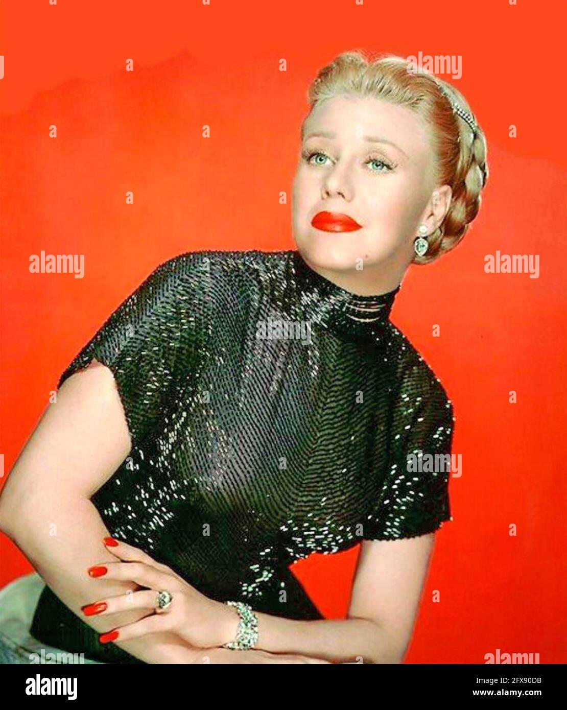 GINGER ROGERS (1911-1995) actrice et danseuse américaine vers 1945 Banque D'Images