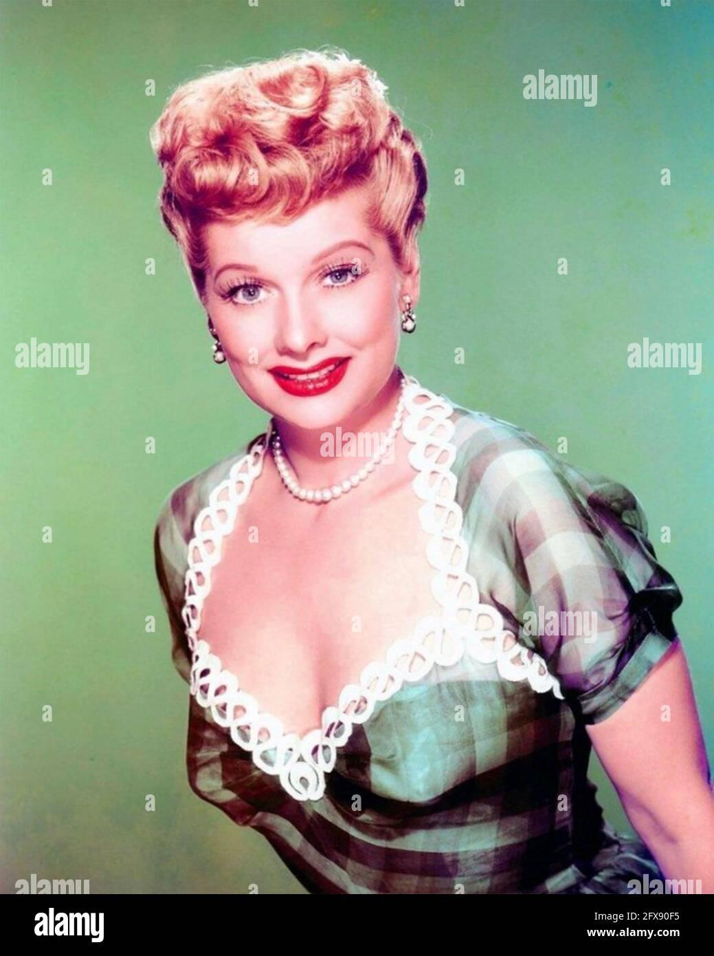 LUCILLE BALL (1911-1989) actrice et productrice américaine vers 1955 Banque D'Images