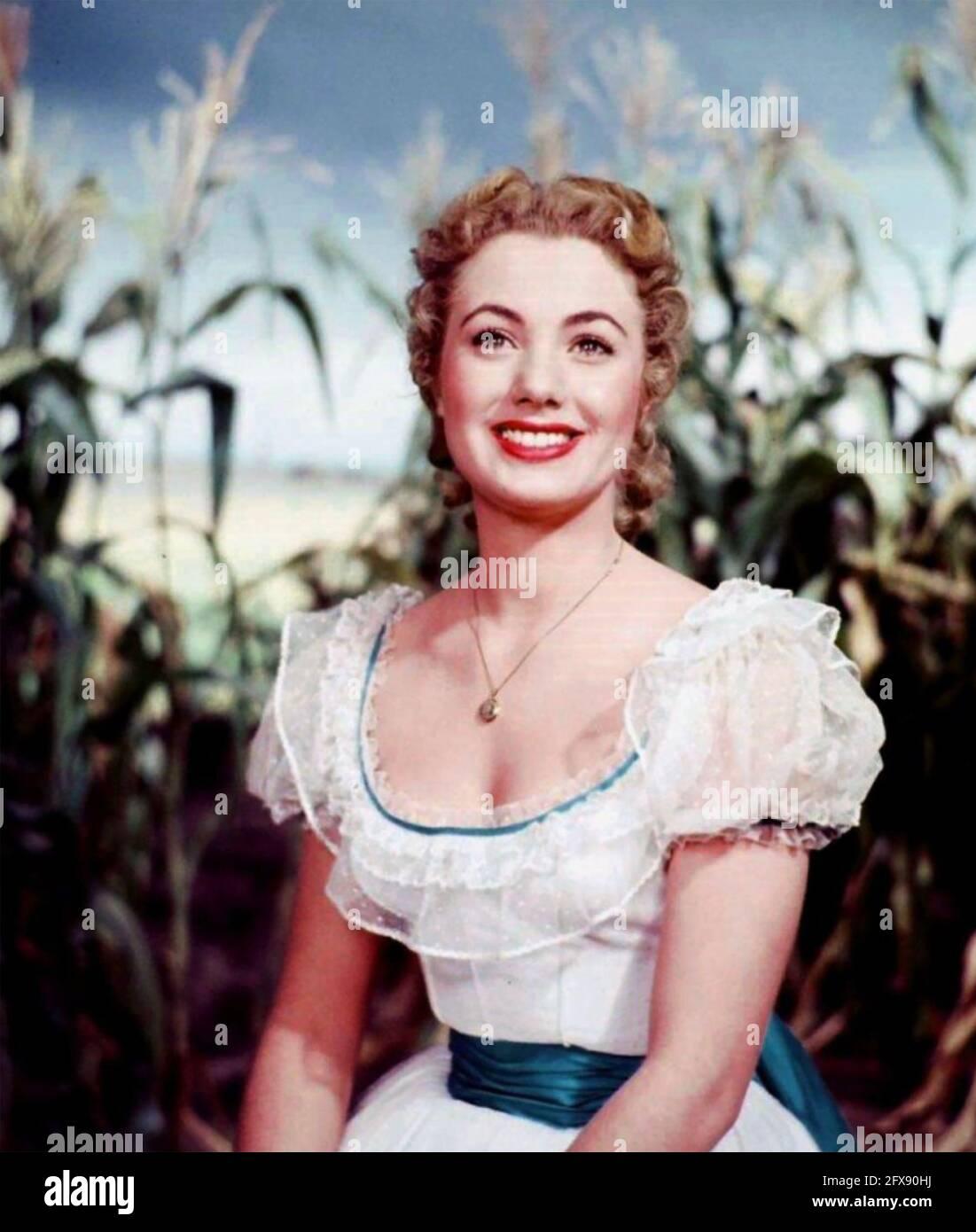 SHIRLEY JONES actrice américaine en 1955 dans une photo promotionnelle pour le film Oklahoma ! dans laquelle elle a joué le rôle de femme en chef Banque D'Images