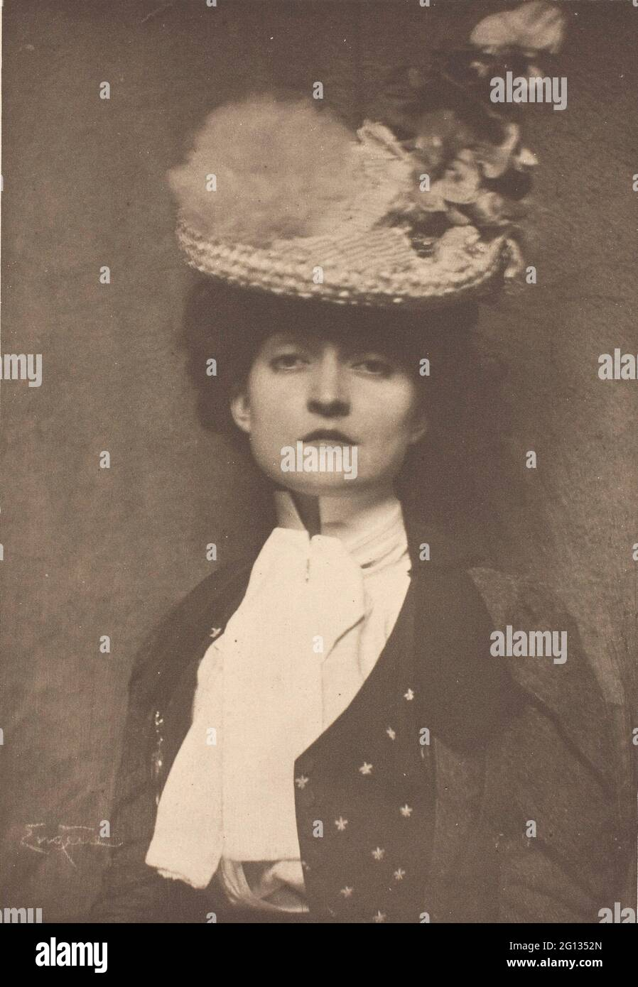 Auteur: Frank Eugene. Portrait de Mlle Jones - c. 1899 - Frank Eugene American, 1865 - 1936. Photogravure, n° 4 du portefeuille - - américain Banque D'Images