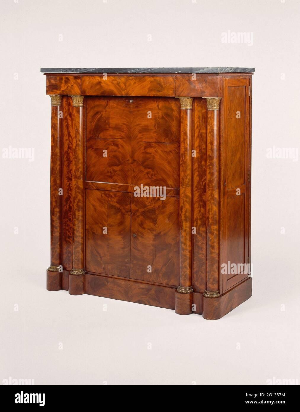 Abattant Secrtaire - 1820/25 - American Boston, Massachusetts. Acajou, placage acajou, pin, marbre noir, ormolu, et laiton. 1820 - 1825. Banque D'Images