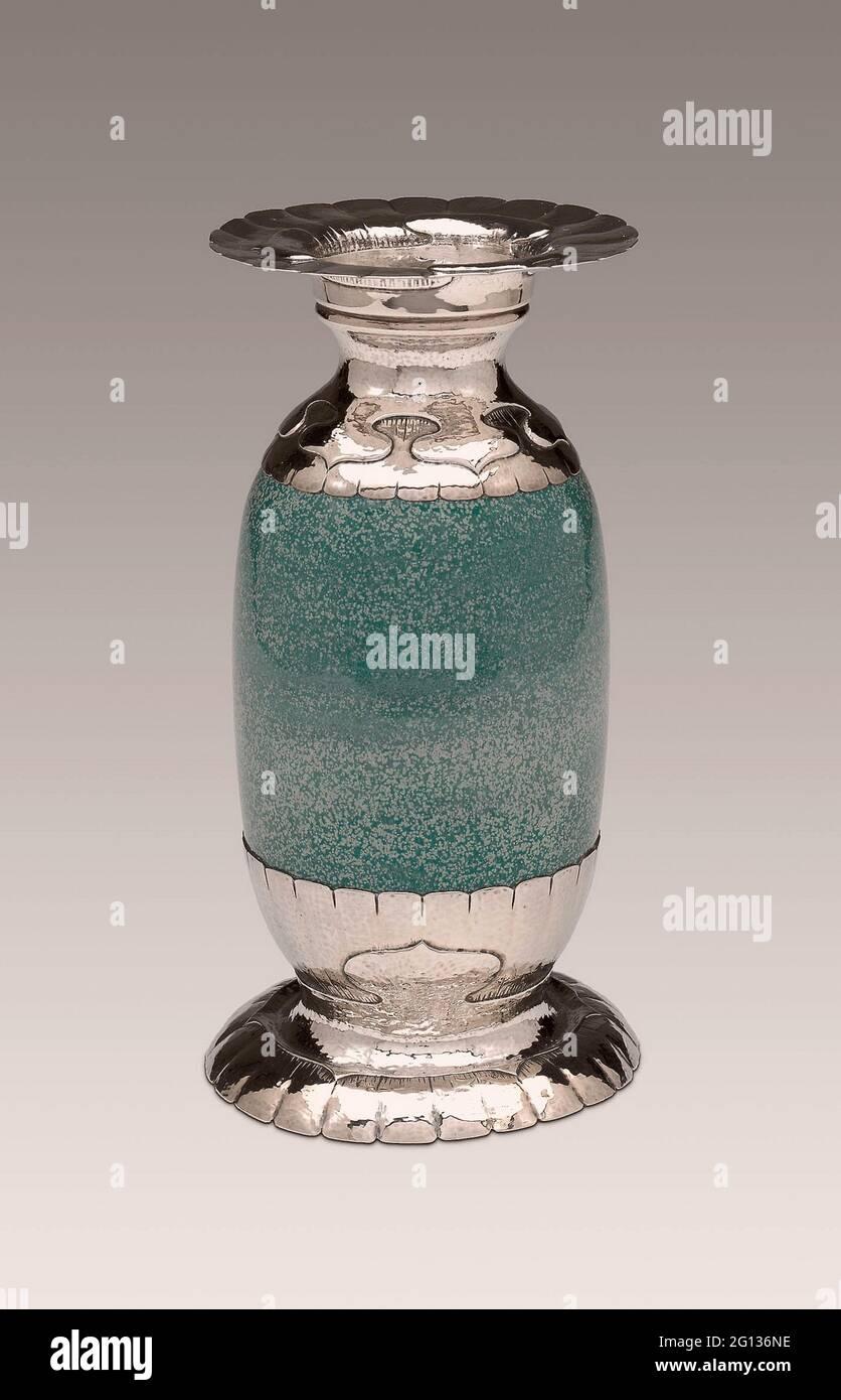 Auteur: Shreve & Co. (San Francisco, Californie). Vase - c. 1910/20 - Shreve and Company American, fondée en 1852 San Francisco, Californie. Sterling Banque D'Images