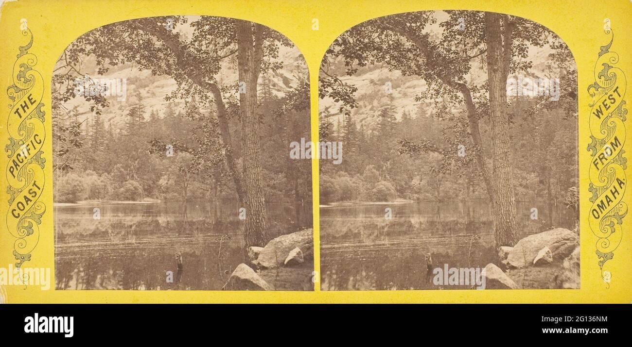 Auteur: Andrew Joseph Russell. Mirror Lake A - Andrew J. Russell American, 1830 - 1902. Imprimé albumine, stéréo, N° 35 de la série - - Californie Banque D'Images