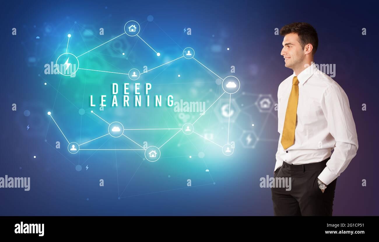 Homme d'affaires pensant au concept de technologie Banque D'Images