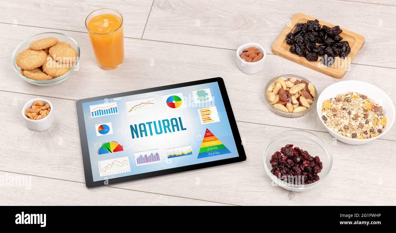 Aliments biologiques et PC tablette Banque D'Images