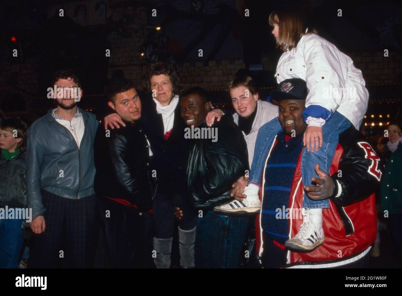 Die amerikanische formation 'Fat Boys' amüsiert sich auf dem Hamburger Dom Volksfest à Hambourg; Deutschland 1988. Banque D'Images