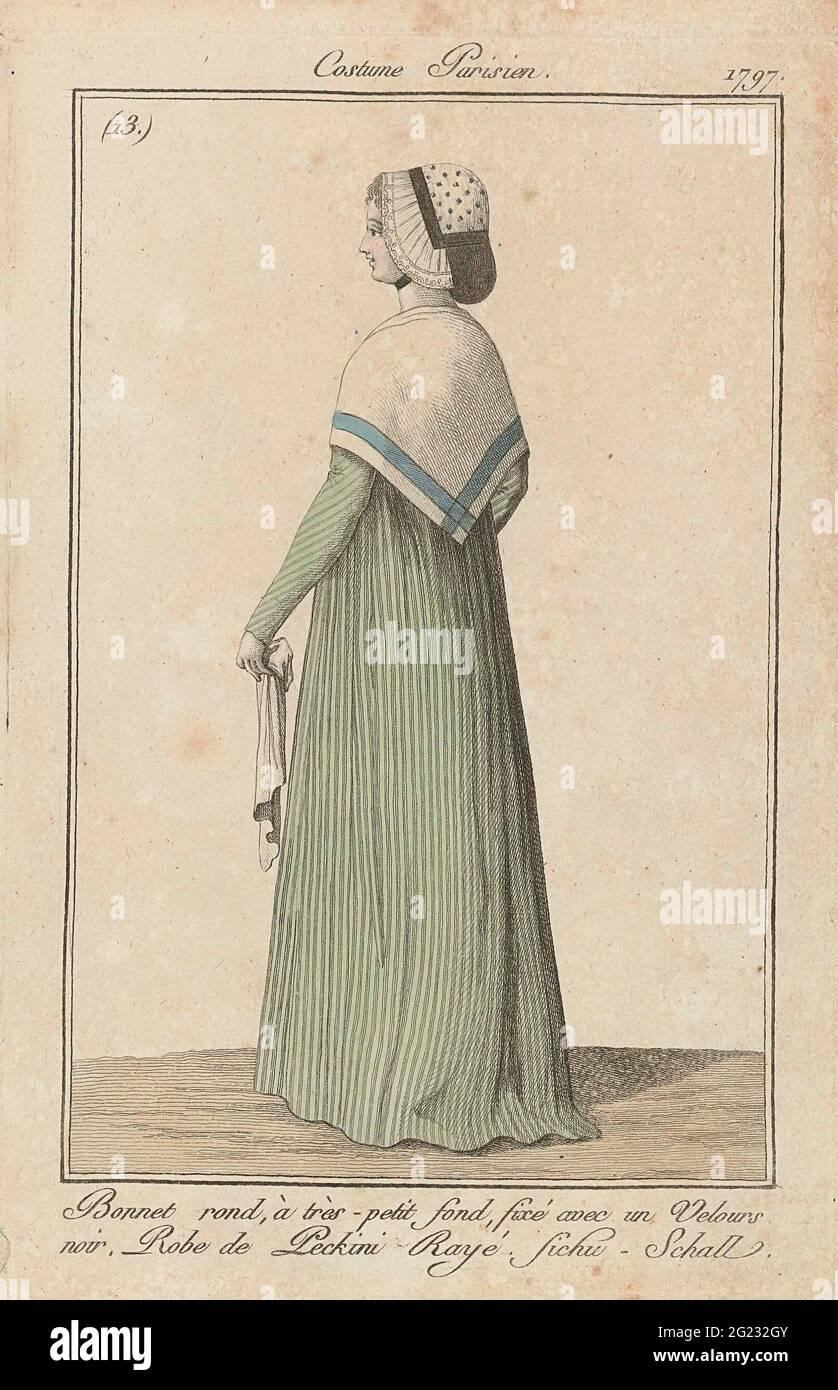 Journal des Ladies et des modes, Costume parisien, 3 décembre 1797, (13) : autour du capot, à Tres-petit fond (...). Femme debout, vue à l'arrière, à la tête un chapeau rond avec un très petit globe, attaché avec un bandeau de velours noir. Elle porte un chon de « peckini » rayé. Autour des épaules un fichu ou une écharpe: 'FICHU - SCHALL'. Un mouchoir dans la main gauche. L'imprimé fait partie du magazine de mode Journal des Laden et des modes, publié par Sellèque, Paris, 1797-1839. Banque D'Images