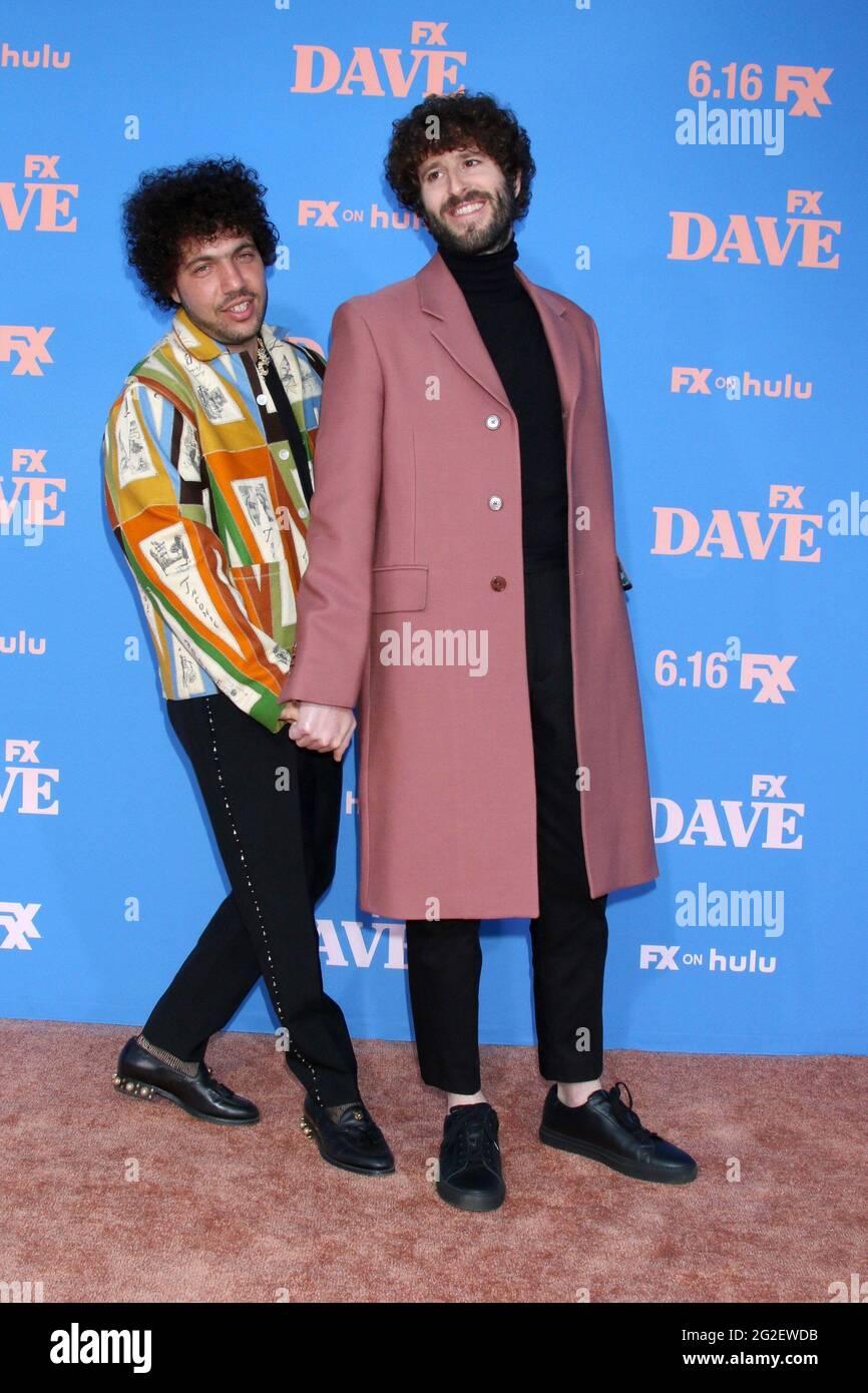 Benny Blanco et Dave Burd arrivent pour LA première de LA saison 2 DE DAVE sur FXX, le théâtre grec, Los Angeles, CA 10 juin 2021. Photo de : Collection Priscilla Grant/Everett Banque D'Images