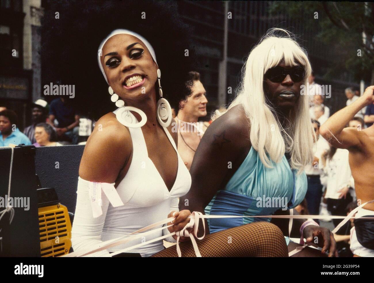 RuPaul dans la 22e Marche annuelle de la fierté gay de New York le 30 juin 1991. Crédit photo : Henry McGee/MediaPunch Banque D'Images