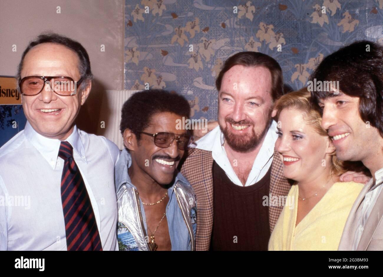 SID Luft, Sammy Davis Jr., Jack Haley Jr., Lorna Luft et Jake Hooker Circa années 80 crédit: Ralph Dominguez/MediaPunch Banque D'Images