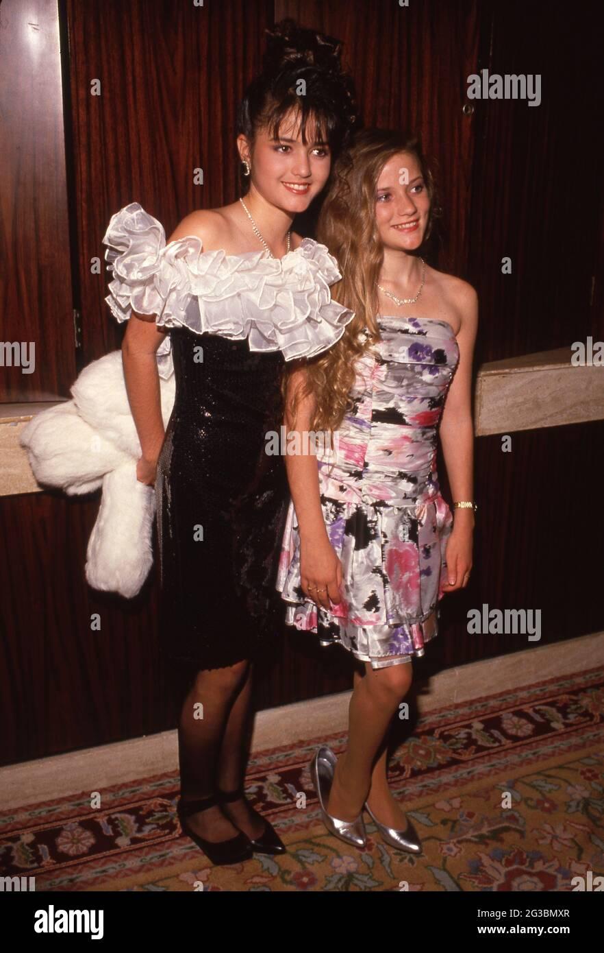 Danica McKellar et Crystal McKellar Circa années 80 crédit: Ralph Dominguez/MediaPunch Banque D'Images