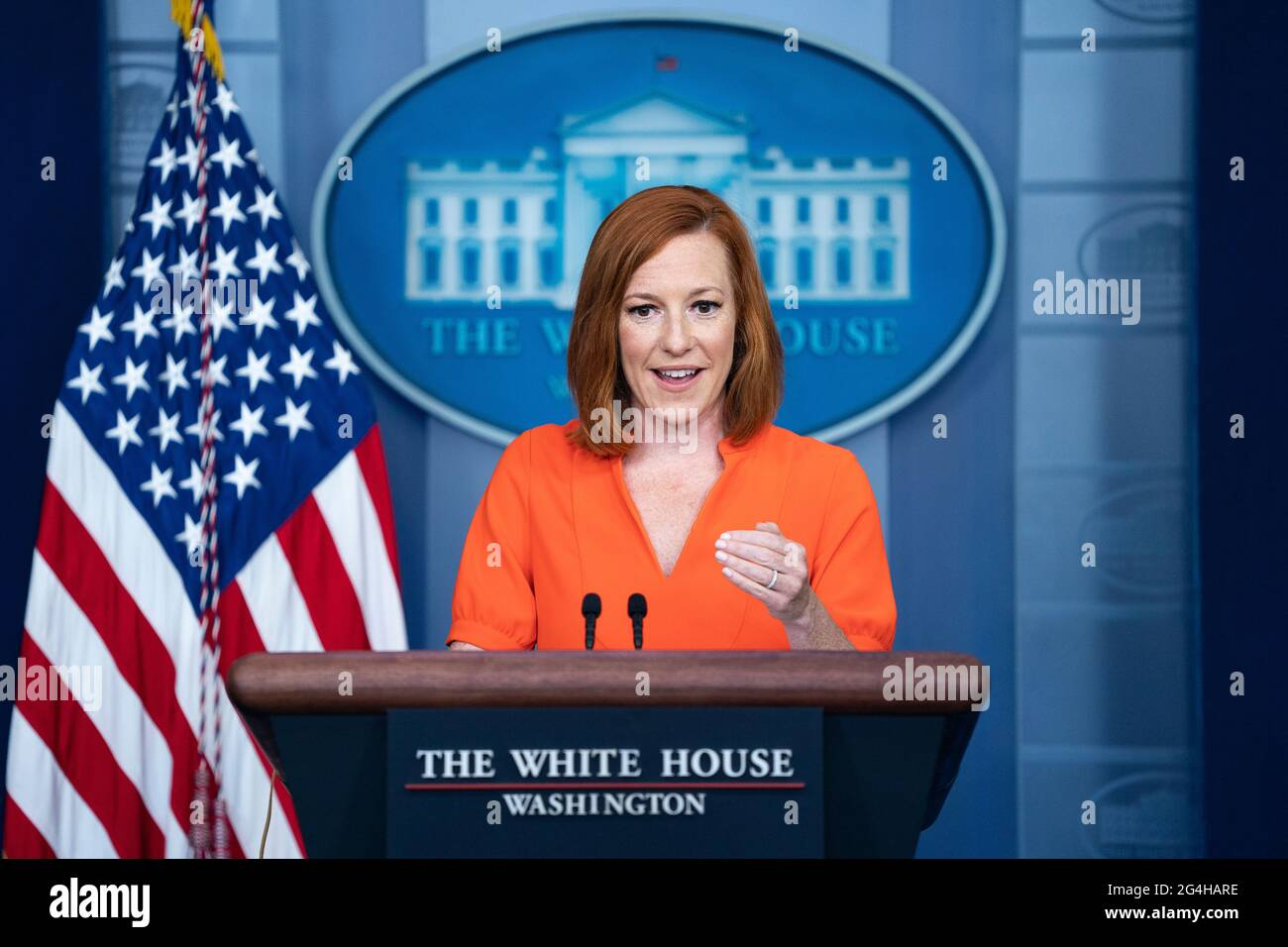 Le secrétaire de presse de la Maison Blanche, Jen Psaki, s'adresse aux journalistes lors du briefing de presse quotidien de la Maison Blanche à la Maison Blanche, le mardi 21 juin 2021 à Washington, DC crédit: Alex Edelman/Pool via CNP/MediaPunch Banque D'Images