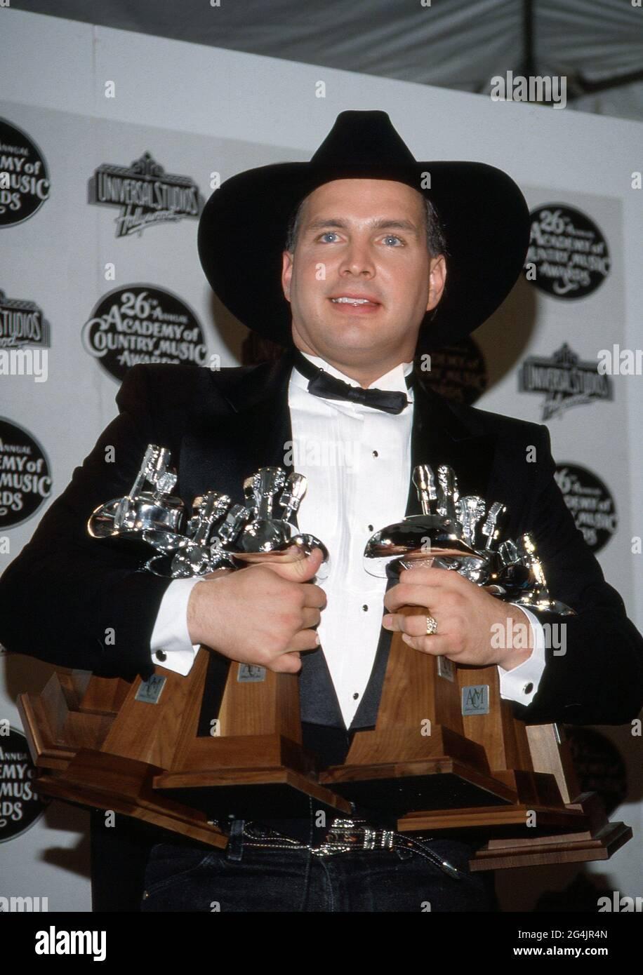 Garth Brooks au 26e prix annuel de l'Académie de musique country à Universal Ampitheater à Universal City, Californie le 24 avril 1991 crédit: Ralph Dominguez/MediaPunch Banque D'Images