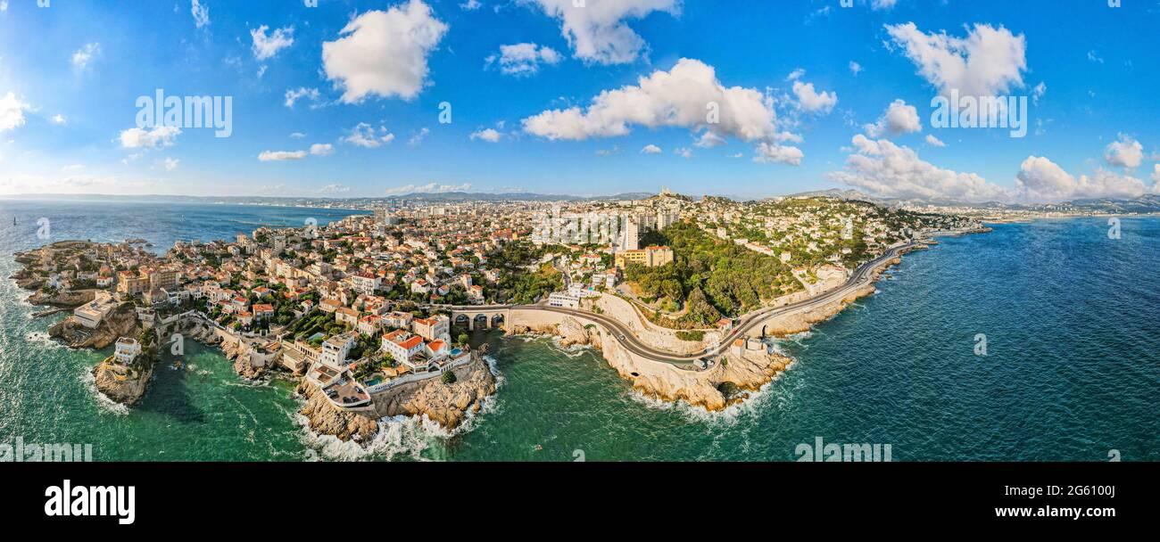 France, Bouches du Rhône, Marseille, quartier Endoume, Anse de Maldorme et Anse de la Fausse monnaie, l'hôtel petit Nice Passedat (vue aérienne) Banque D'Images