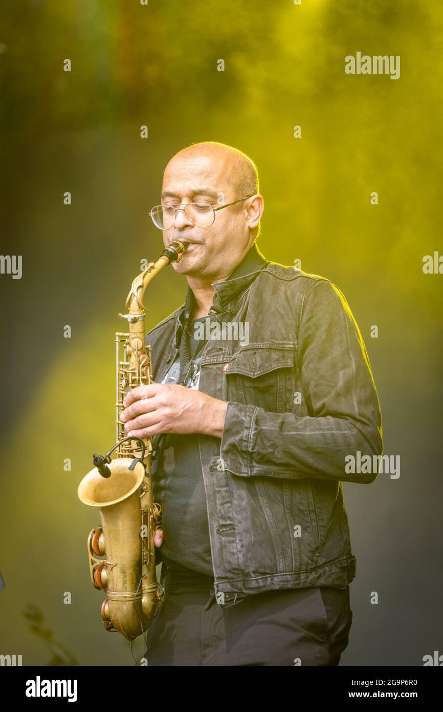 The Hackney Colliery Band at Standon Calling Music Festival 2021 Hertfordshire Royaume-Uni Banque D'Images