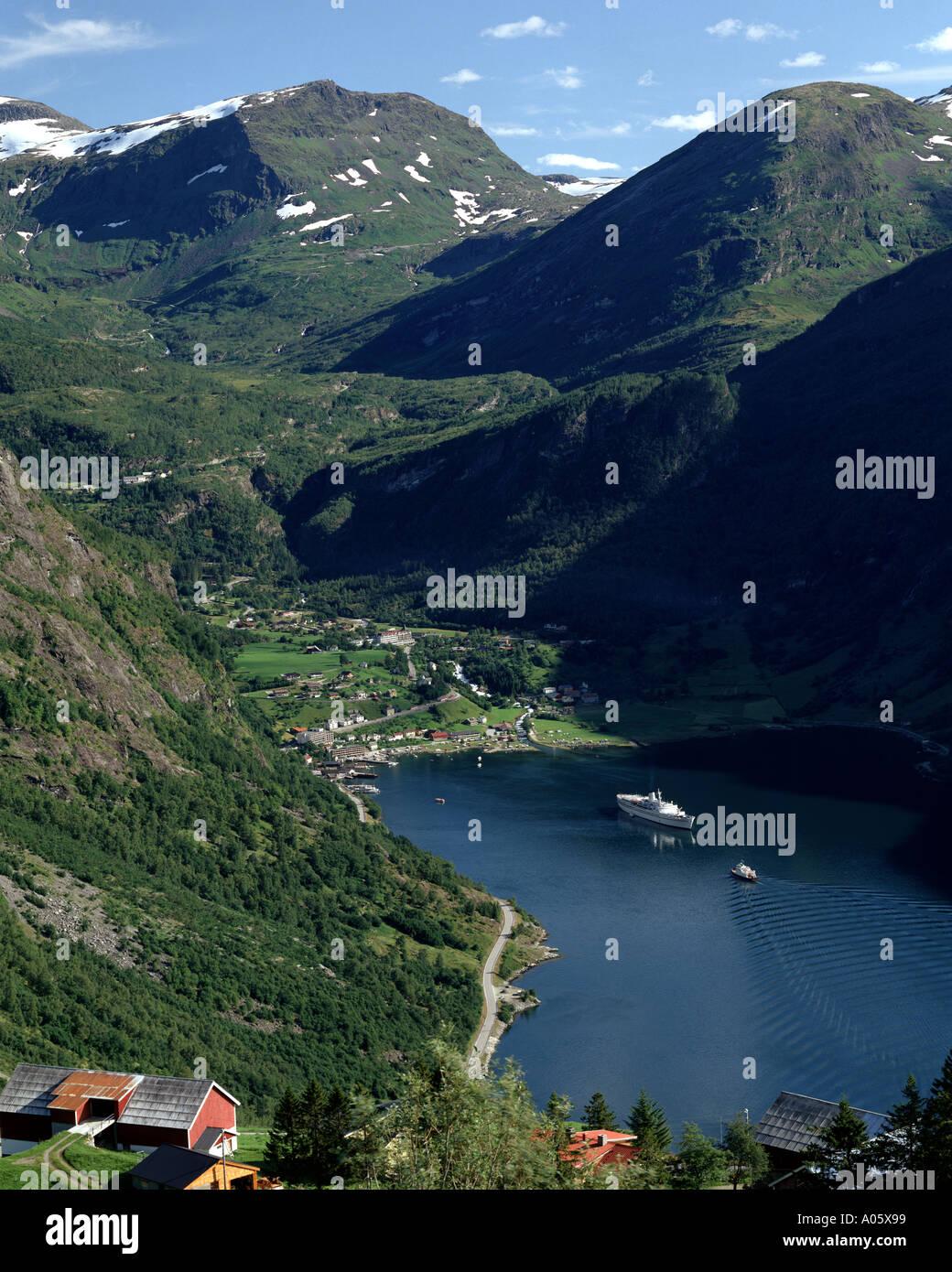 Non - MORE OG ROMSDAL fjord de Geiranger: Photo Stock