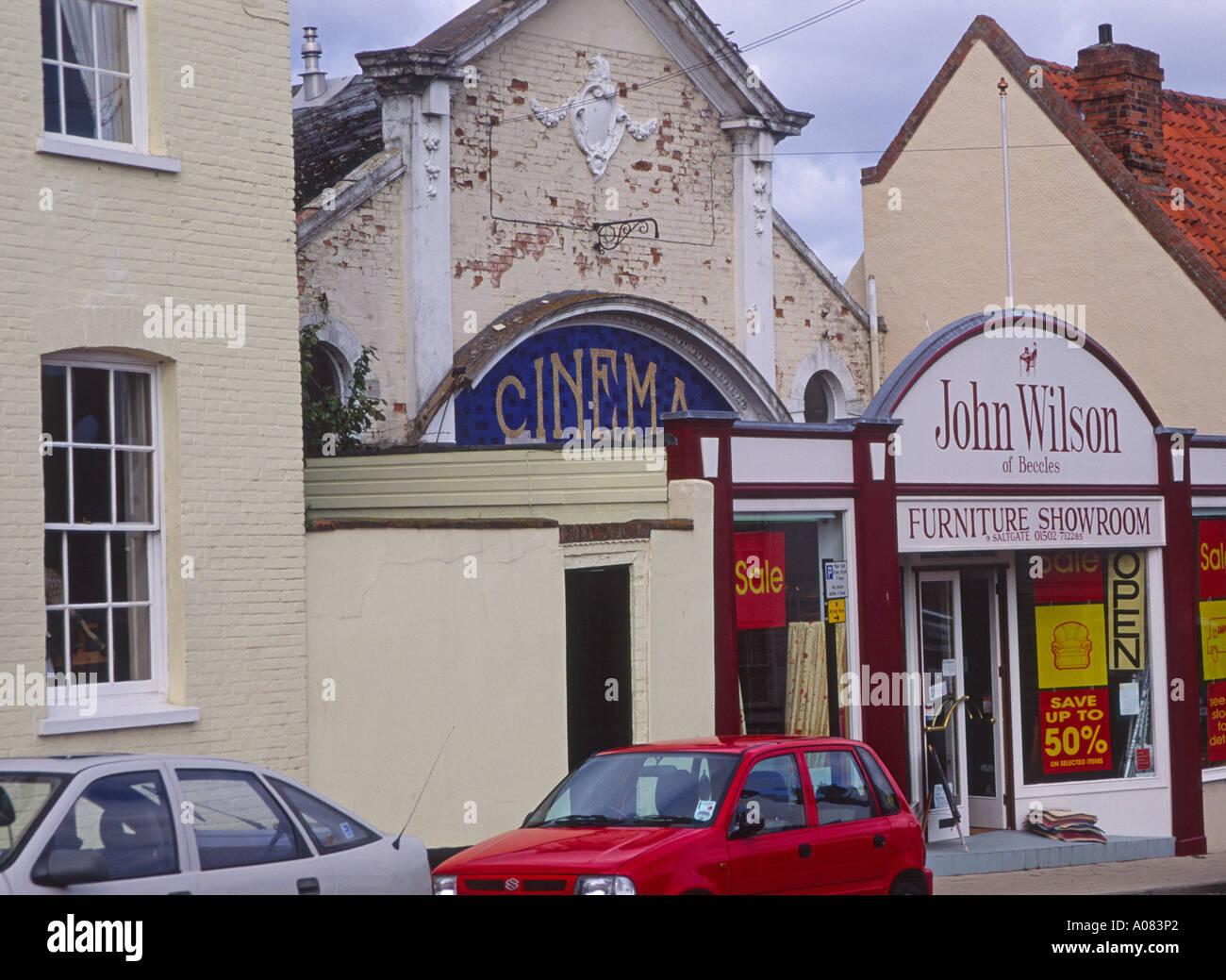 Cinéma fermé converti en showroom boutique Beccles Suffolk Angleterre Photo Stock