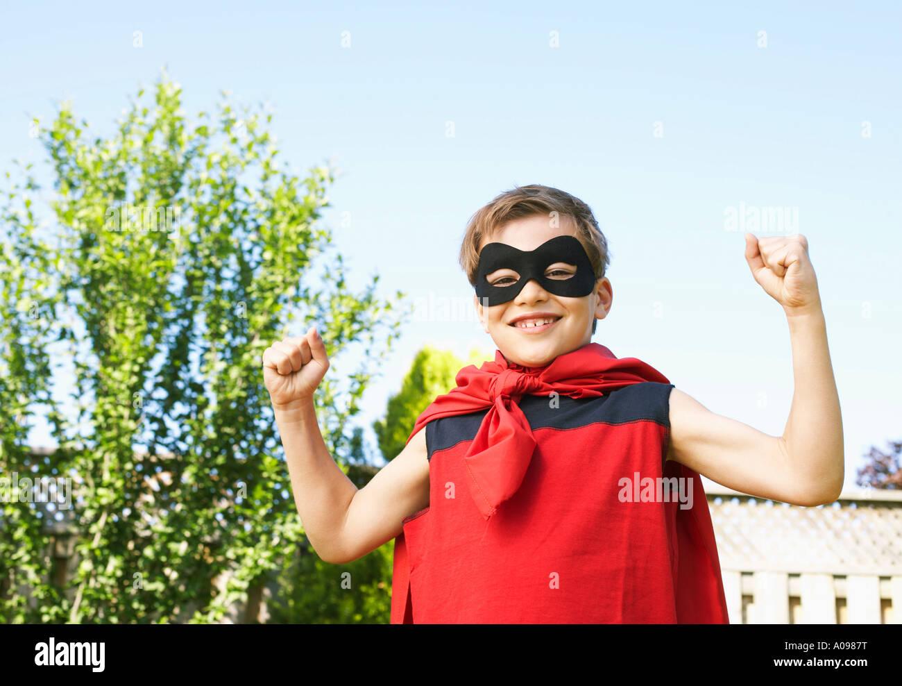 Portrait of Boy Wearing costume de Super Héros Banque D'Images