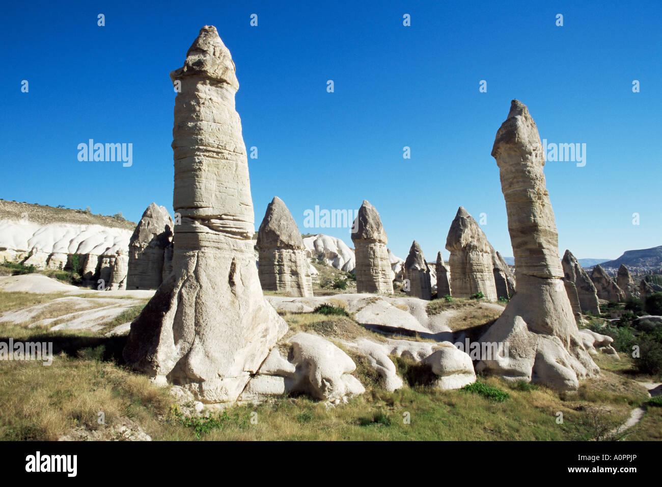 Piliers phalliques ou cheminées de fées de Göreme Cappadoce Anatolie Turquie près de l'Asie Photo Stock