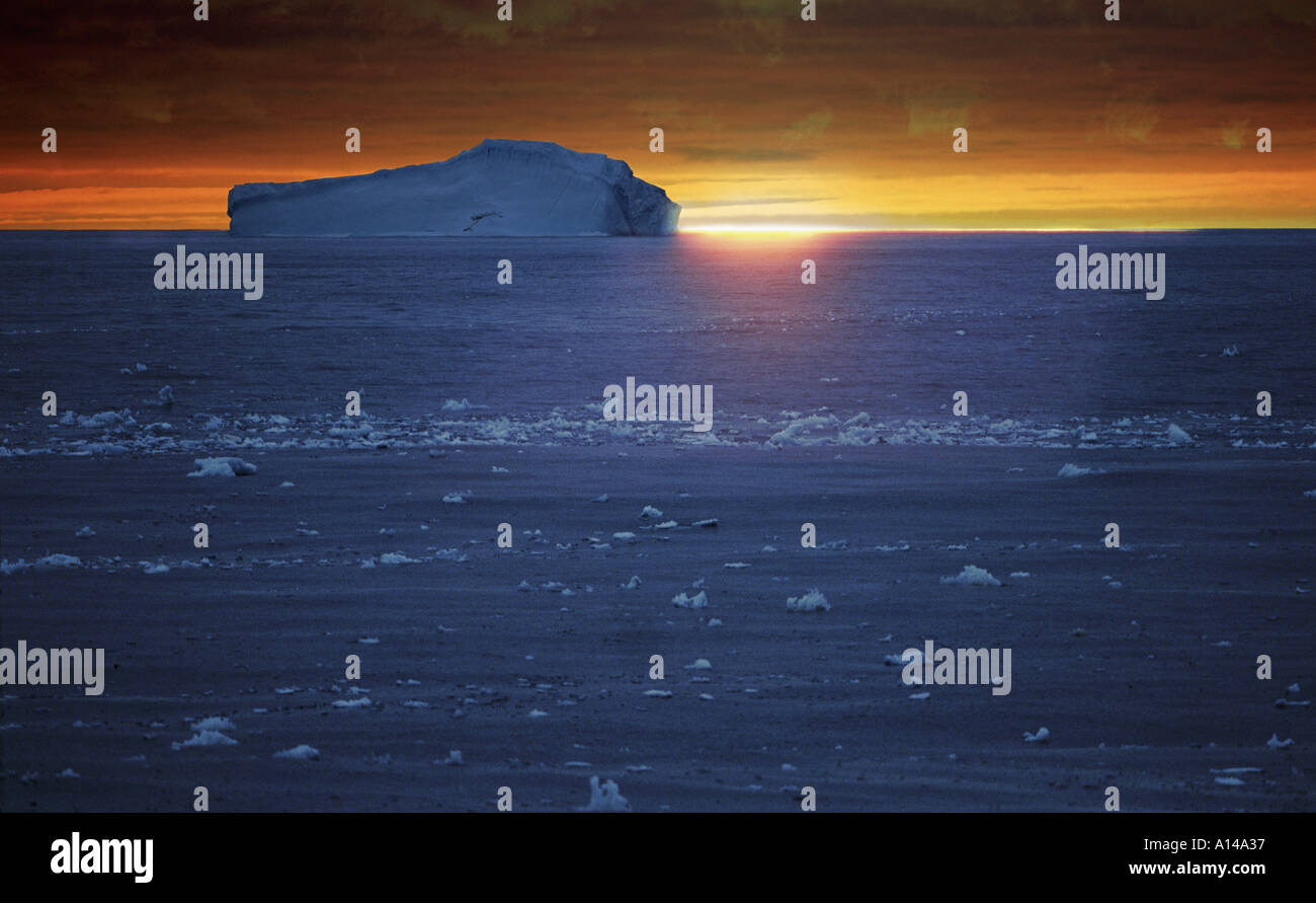 Coucher du soleil sur l'Antarctique Photo Stock