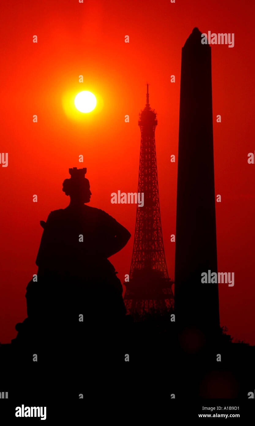 Luxour photos luxour images alamy - Images de la tour eiffel au coucher de soleil ...