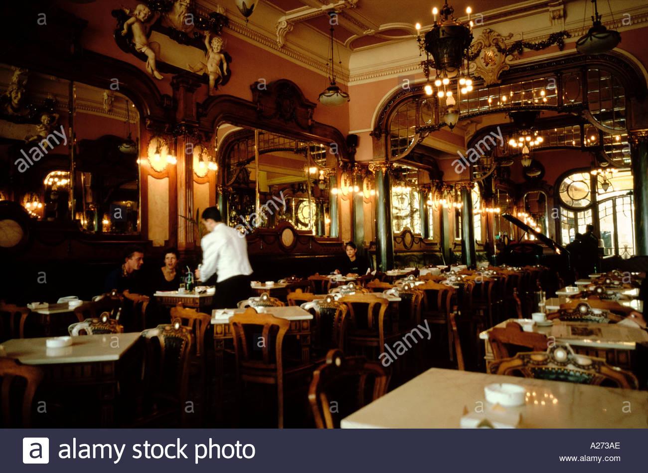 le cafe majestic caf art nouveau jugendstil lgance intrieur passe temps ambiance style serveur potable porto portugal