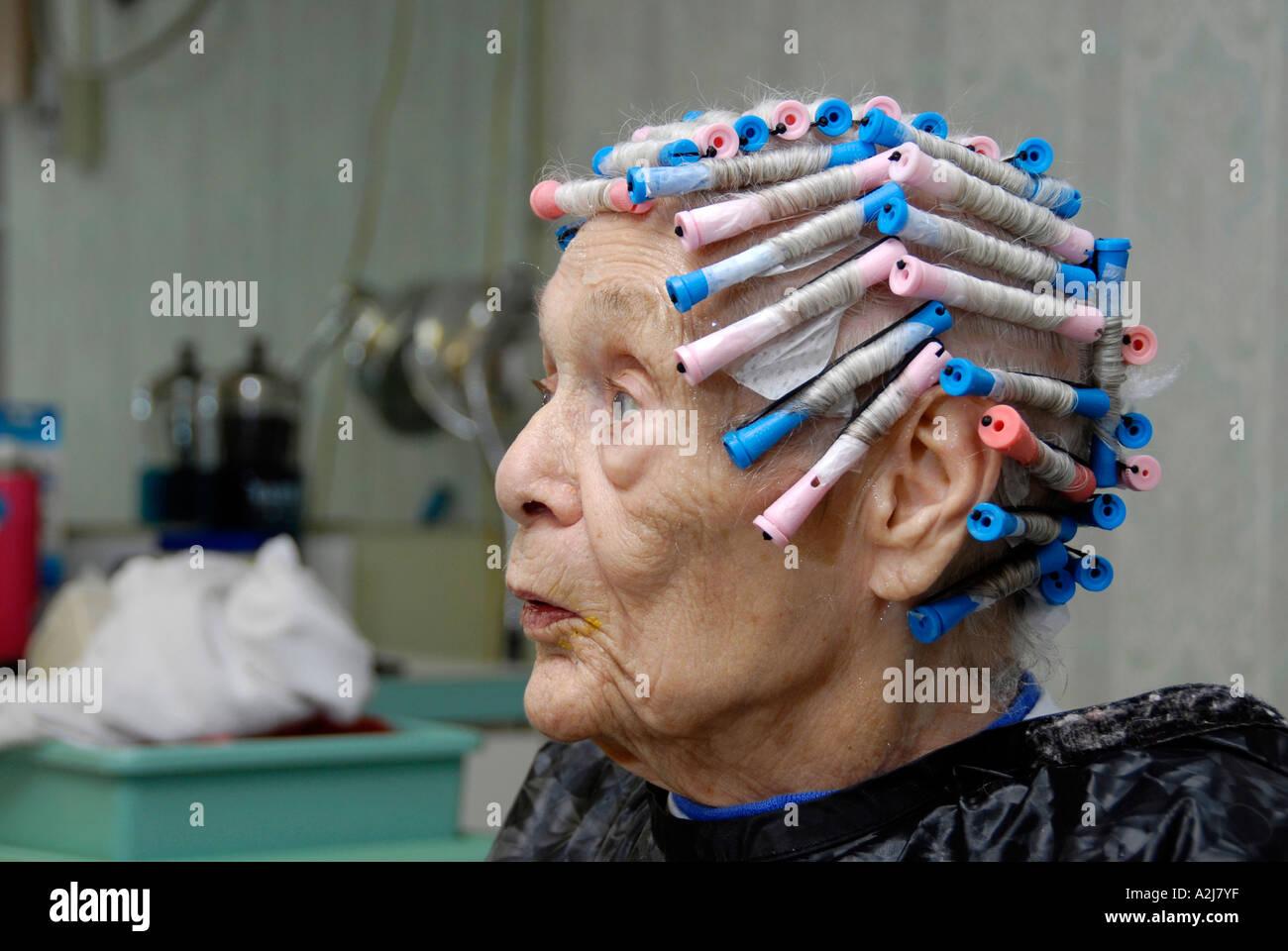 Hauts Femme Agee A Couper Les Cheveux Shampooing Couleur Et