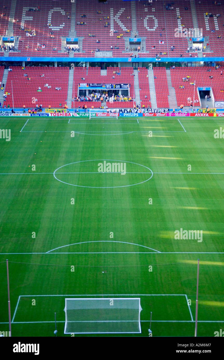 Vue sur le terrain de Cologne, Allemagne football stadium Banque D'Images