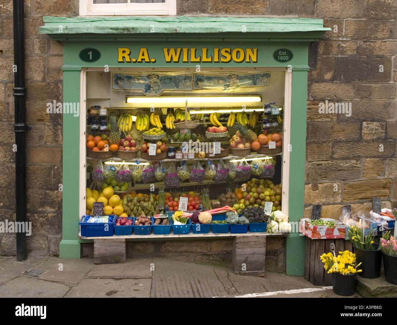 Une petite boutique de fleurs et de fruits, fondée en 1800, dans la région 01c79429a790