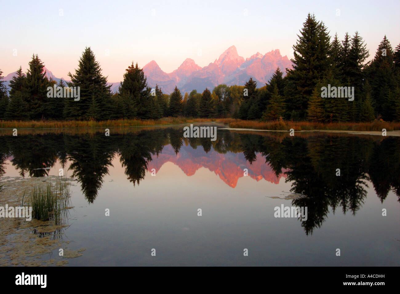 Le lever du soleil sur la Grand Tetons Banque D'Images