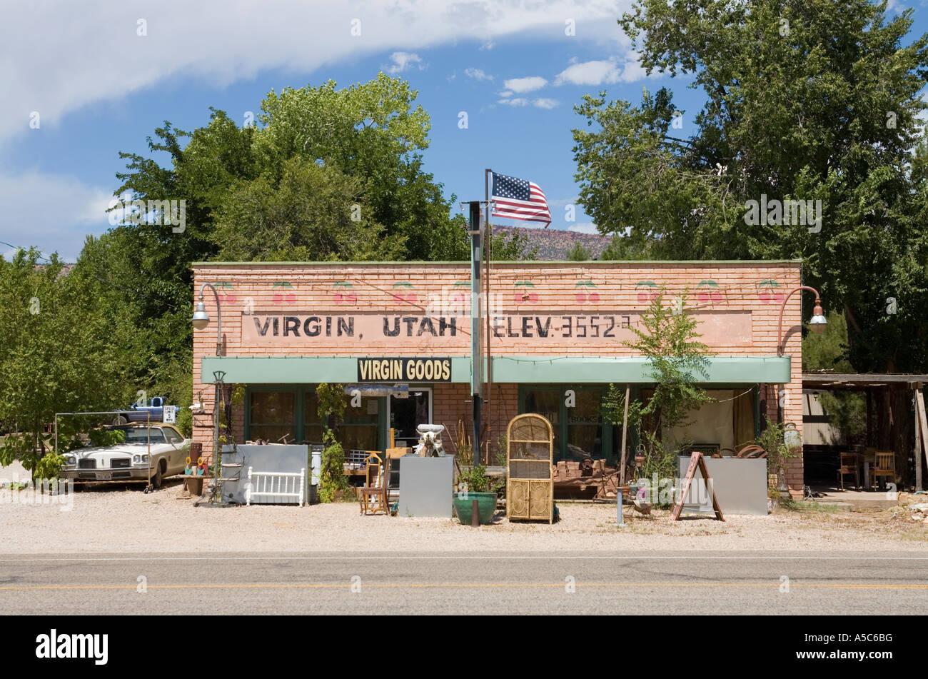 L'extérieur de l'immeuble d'un pays en magasin Virgin, Utah, USA Banque D'Images