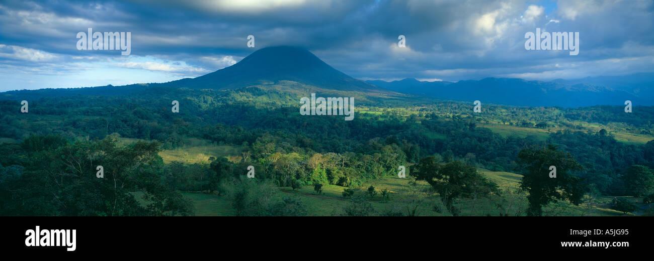 Le Volcan Arenal Zona Norte Costa Rica Photo Stock