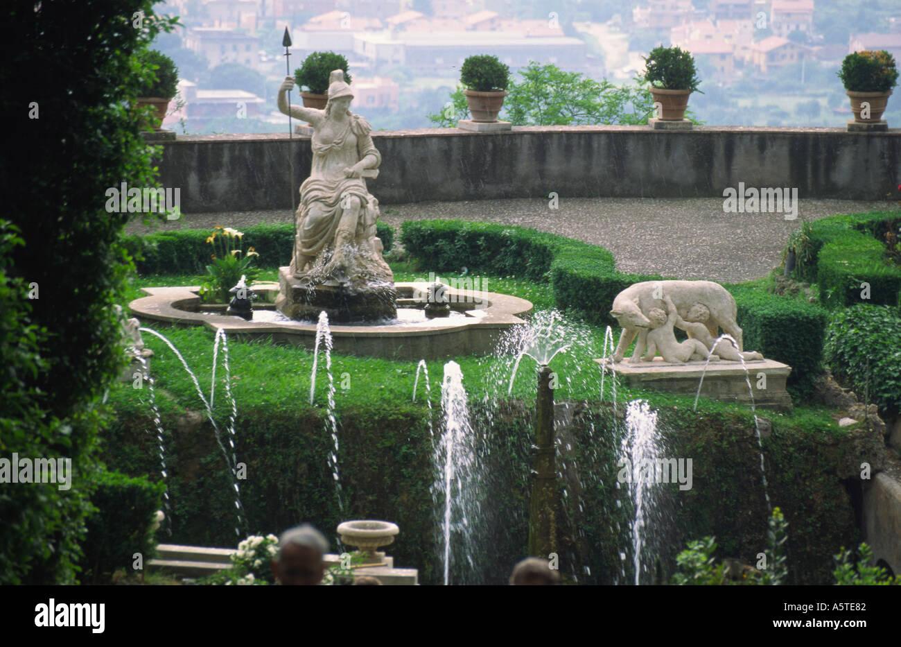 L Eau Des Fontaines Dans Les Jardins De La Villa D Este Tivoli