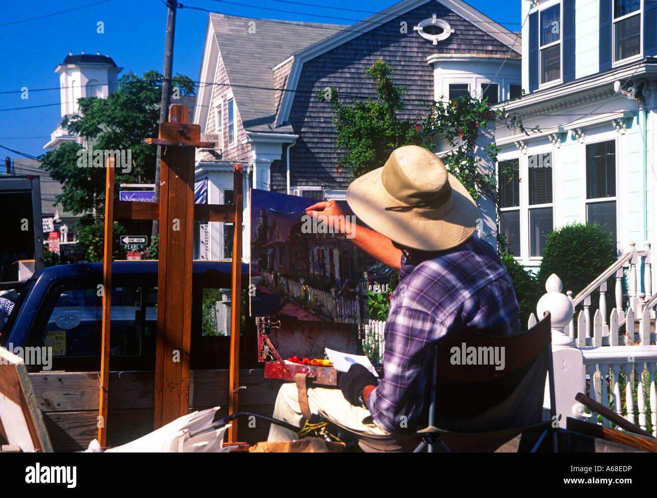 La peinture de l'artiste une toile le long de Rue du Commerce Provincetown MA Cape Cod Photo Stock