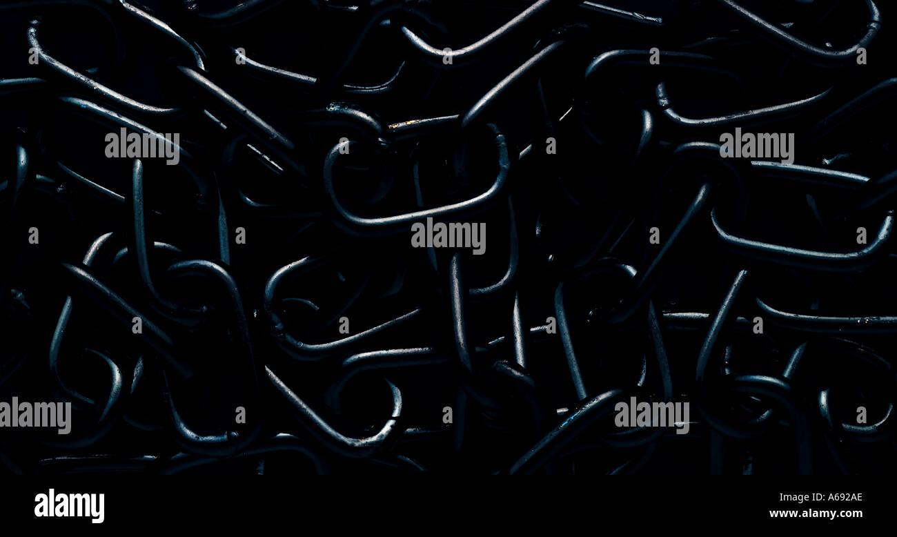 Chaîne noir sur fond sombre Photo Stock