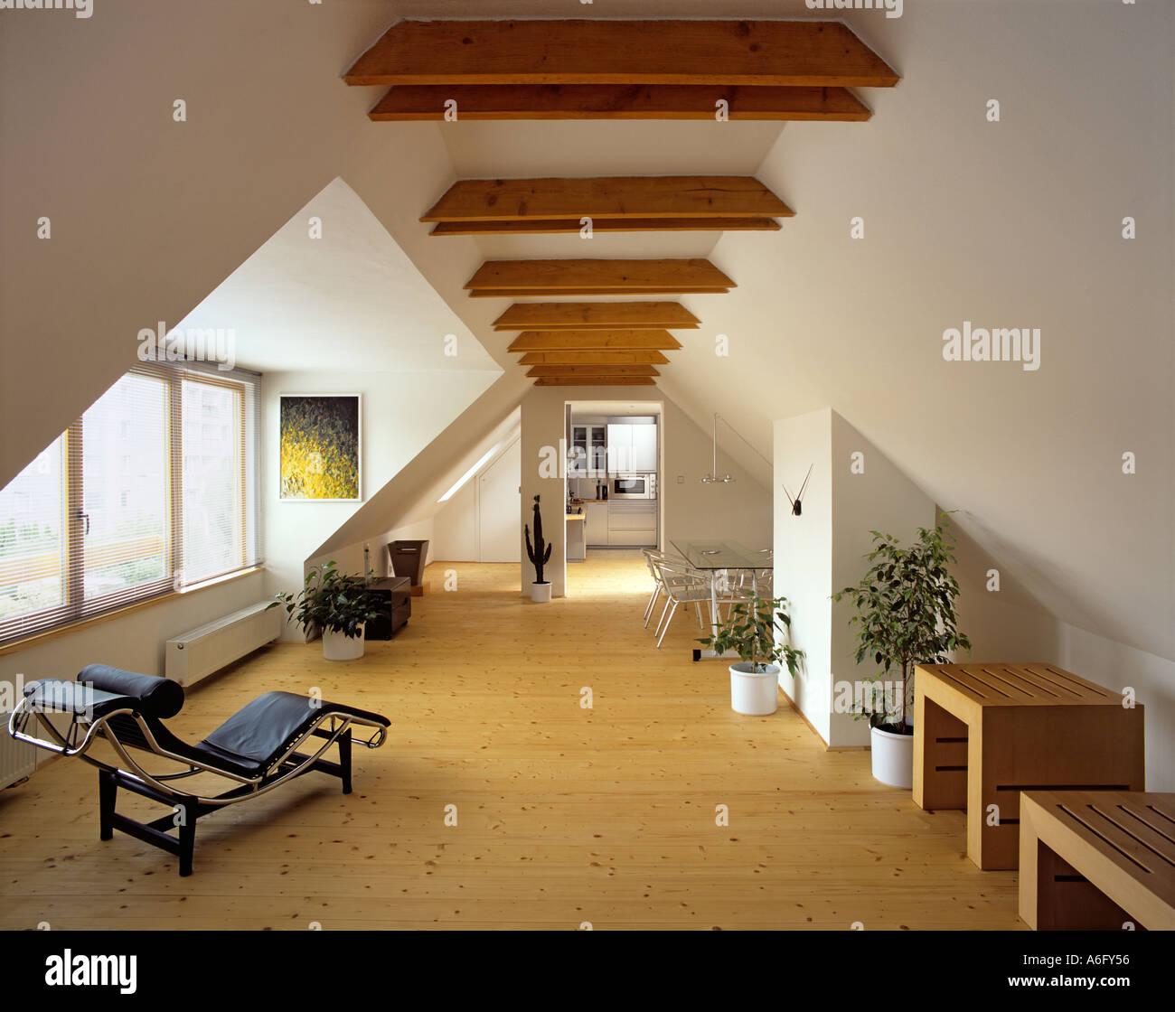 appartement mansardé moderne banque d'images, photo stock: 3776341