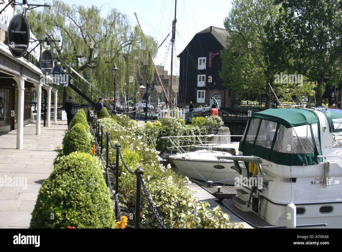 St Katherines dock london uk 2005 Photo Stock
