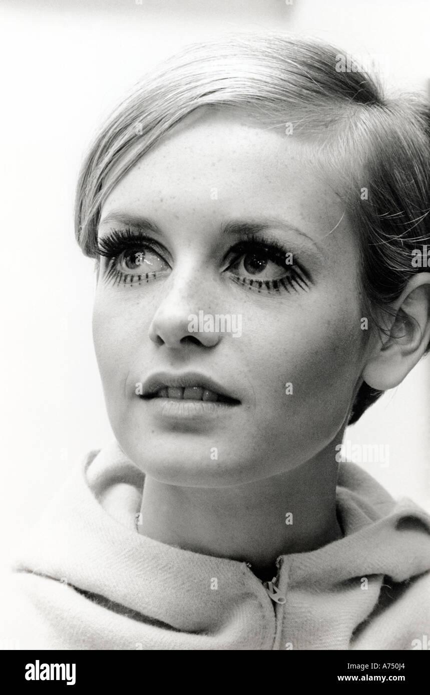 TWIGGY - UK Fashion model wearing design by Jeff Banks en mai 1967. Photo Tony Gale Photo Stock
