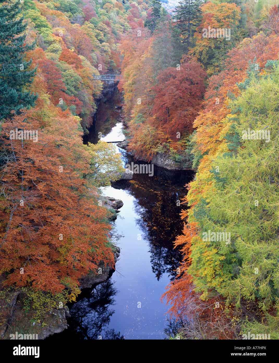 La rivière Garry dans le col de Killiecrankie, Perth et Kinross, Scotland, UK Banque D'Images