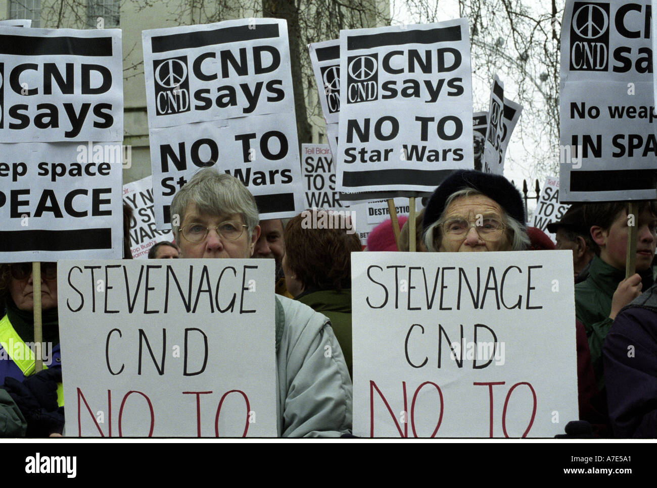 CND protestation devant Downing Street contre Star Wars Photo Stock