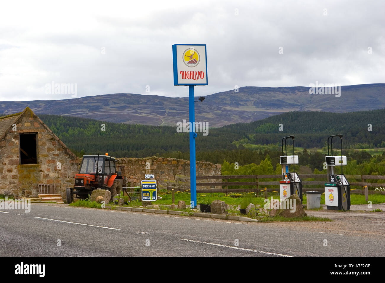 petrol station uk country photos petrol station uk country images alamy. Black Bedroom Furniture Sets. Home Design Ideas
