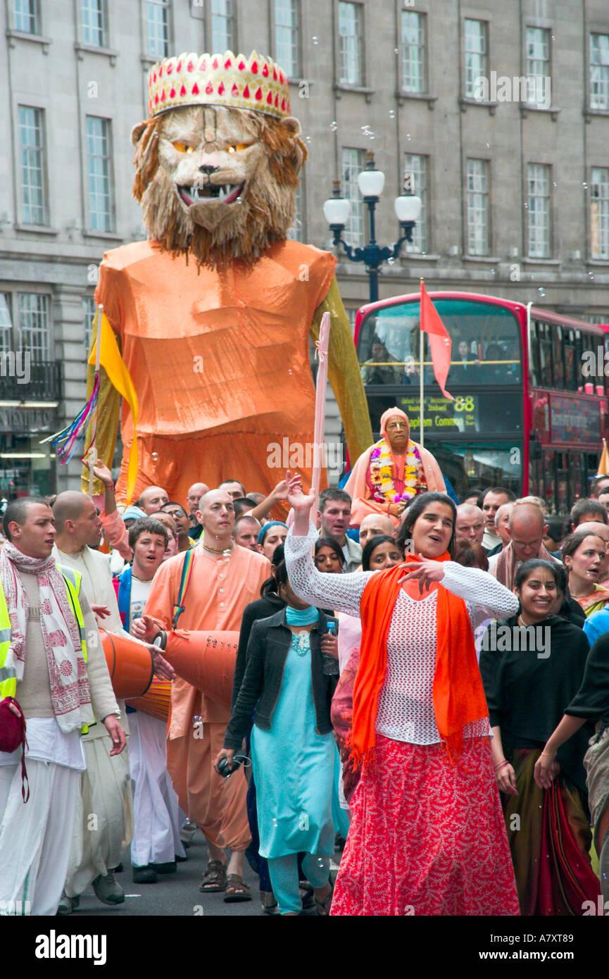 Procession Hare Krishna à London UK Banque D'Images