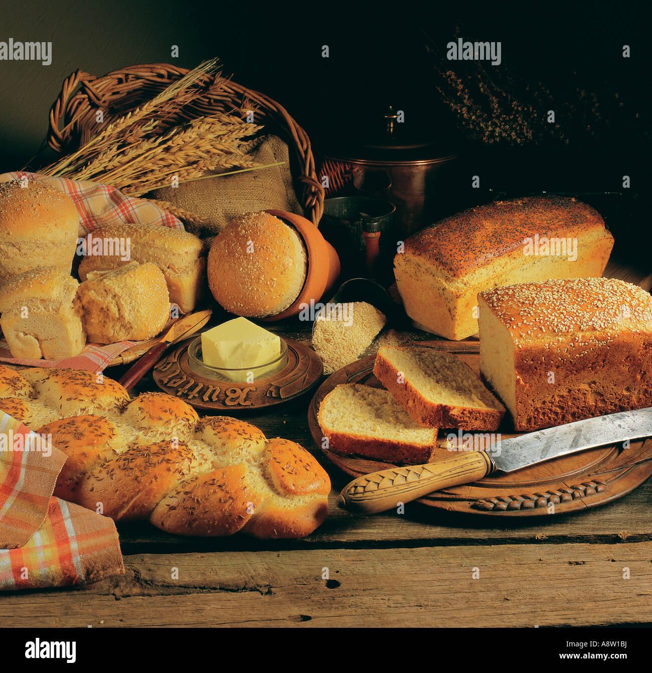 L'alimentation à l'intérieur de la vie toujours pays pains sélection. Photo Stock