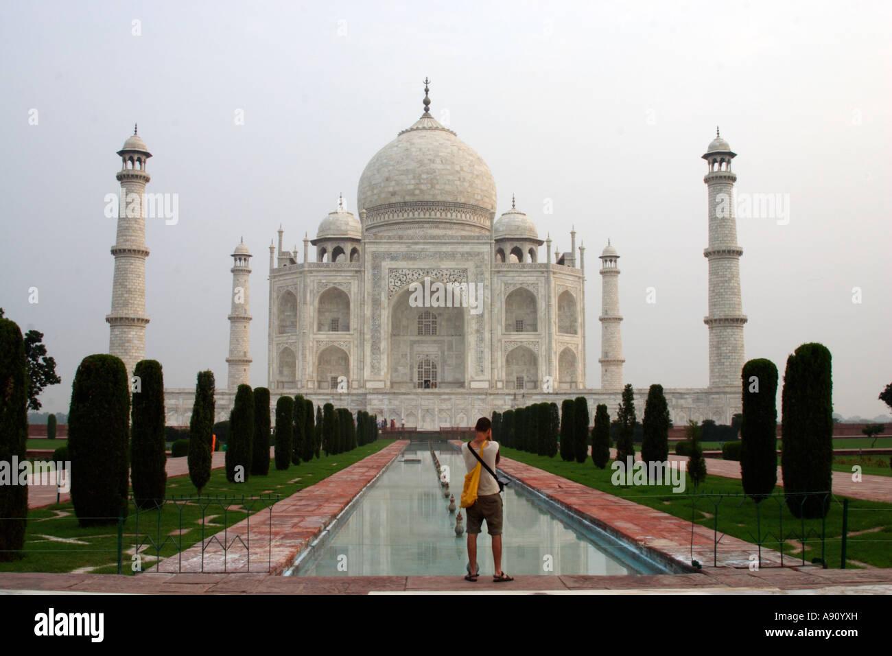 La prise de photo de l'hôtel Taj Mahal, Agra, Inde Banque D'Images