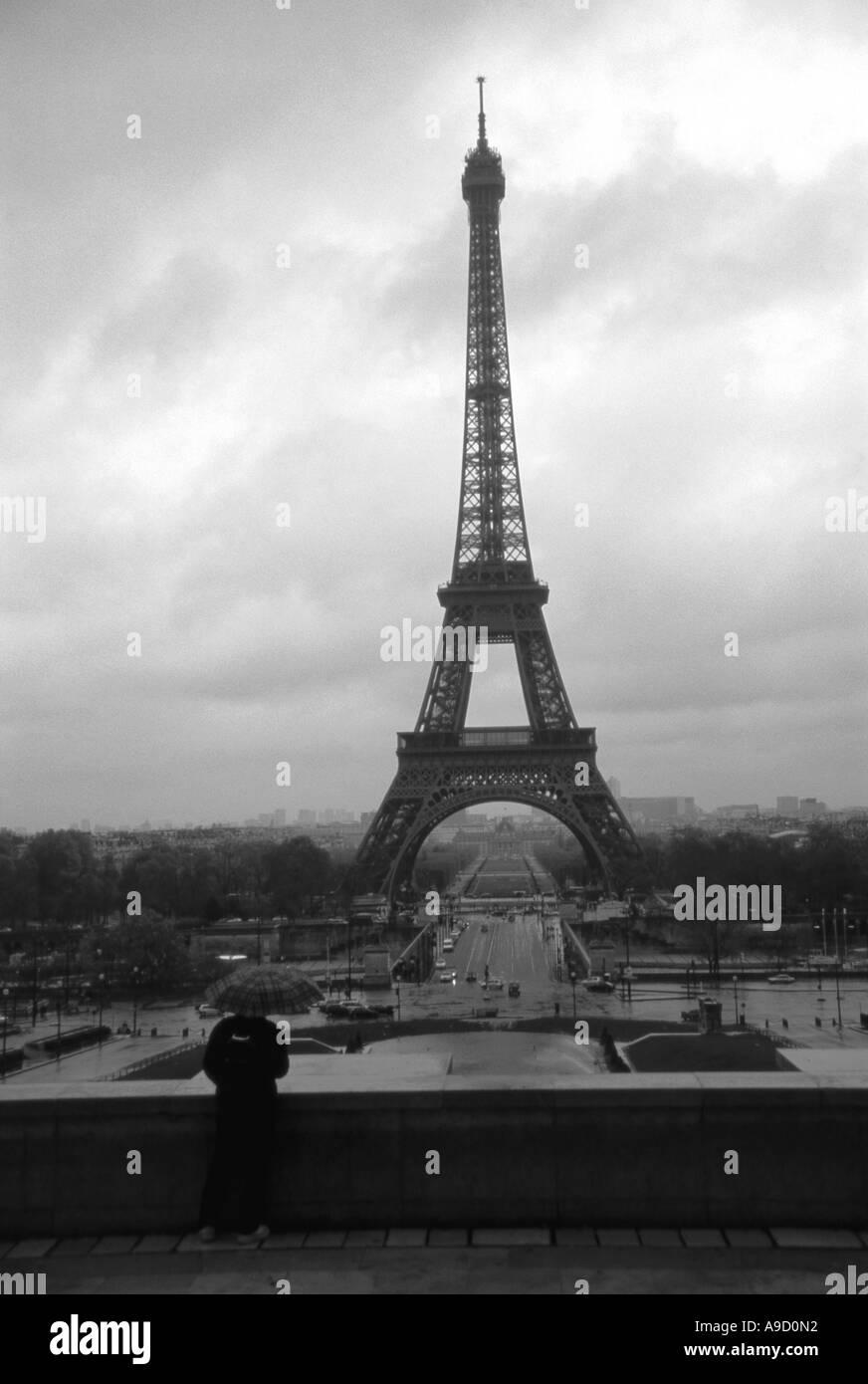 Magnifique vue sur Tour Eiffel Tower One, la plus haute des bâtiments de fer dans le monde France Europe du nord de Paris Banque D'Images