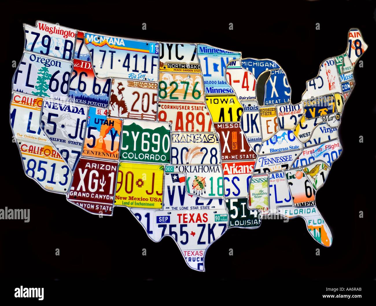 Carte des États-Unis d'Amérique a fait à partir d'un collage de métal placé géographiquement les plaques d'immatriculation des véhicules Photo Stock